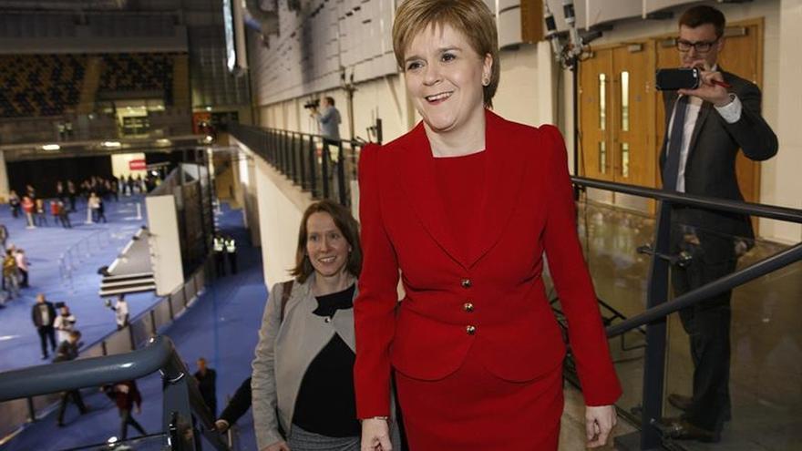 "Sturgeon insta a Escocia a independizarse y ""controlar su destino"""