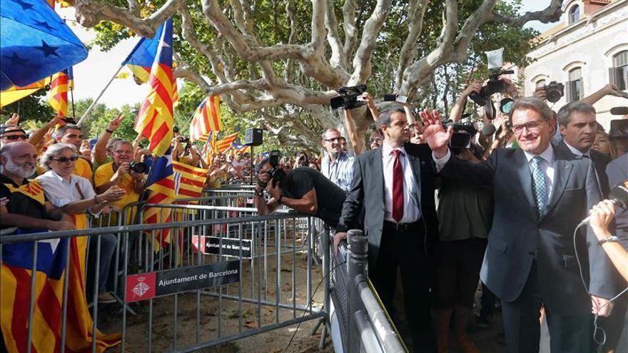 El Parlamento catalán aprueba la ley de consultas. Foto: EFE