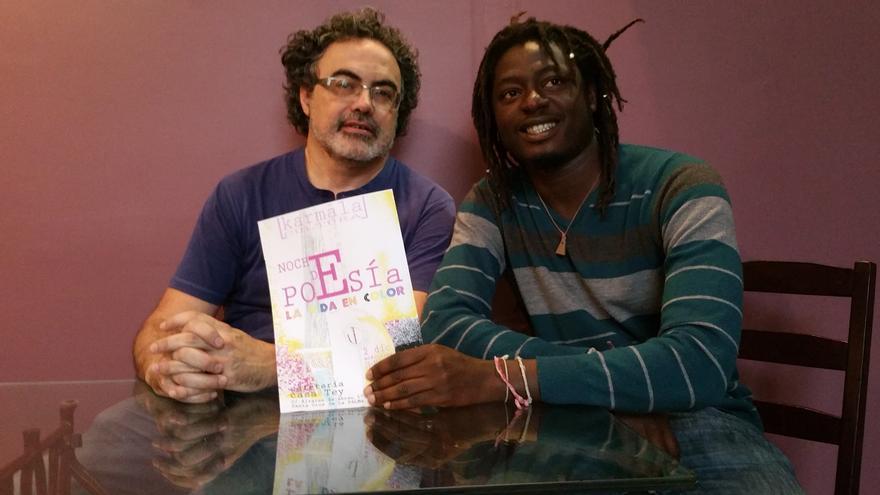 Manuel Cabrera y Keba Danso en la Casa Tey. Foto: LUZ RODRÍGUEZ.