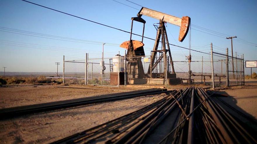 El petróleo de Texas abre con fuerte ascenso del 6,31 % hasta 31,51 dólares