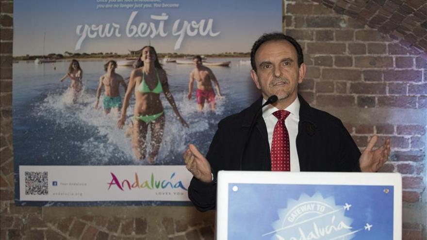 Andalucía firma un acuerdo para figurar en catálogos de un turoperador chino