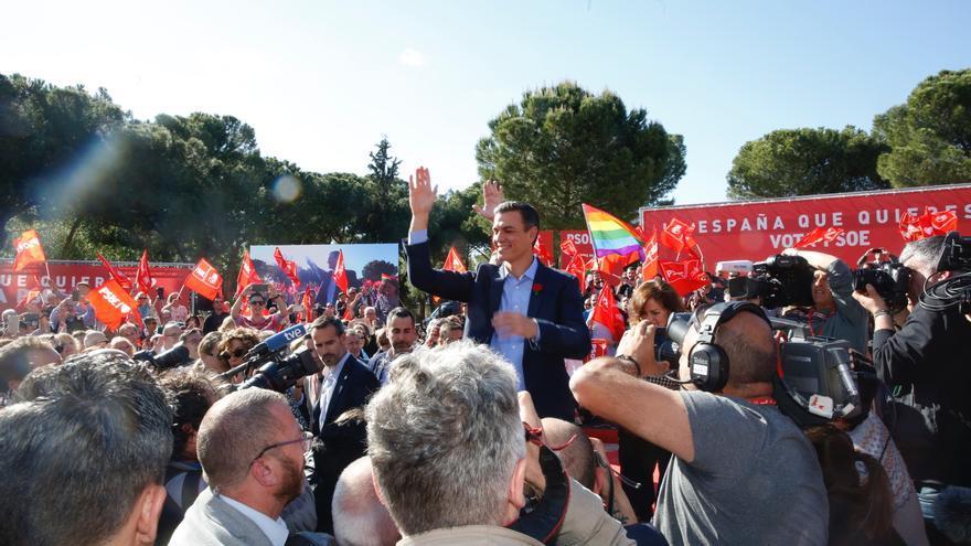 Pedro Sánchez en un acto del PSOE en Madrid el último día de campaña.