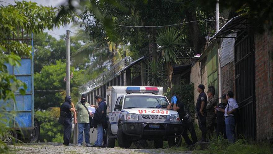 ONG salvadoreñas, alarmadas por el alza de menores muertos en tiroteos con Policía