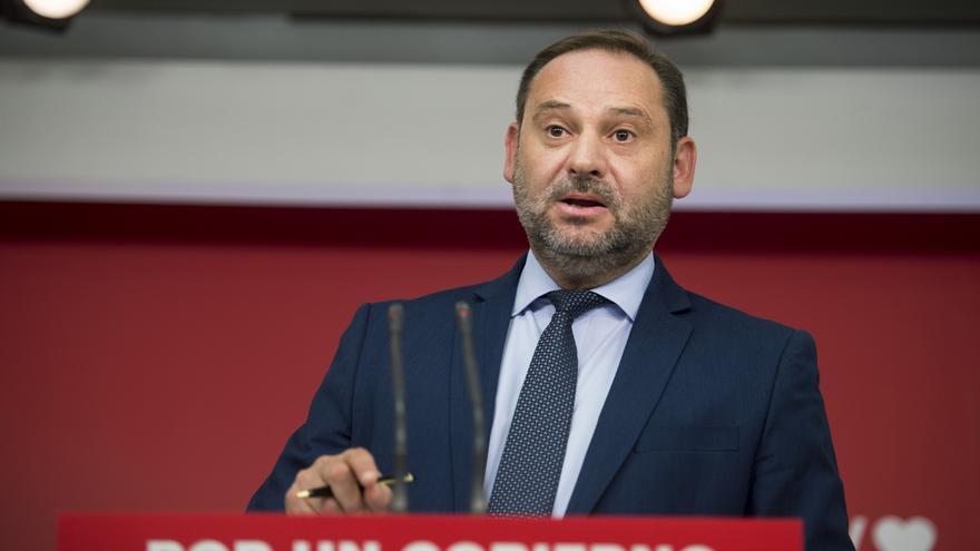 Sánchez aceptará un debate a cinco y propondrá suprimir la publicidad exterior