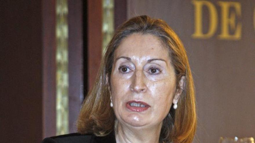 Ana Pastor pide que las partes implicadas arrimen el hombro ante la importancia del Canal de Panamá