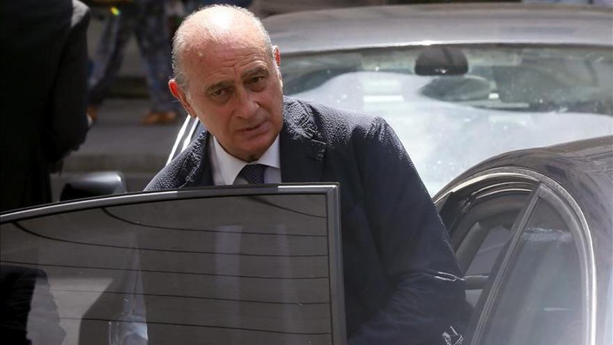 El PSOE cree que F.Díaz solo zanjará el escándalo de la reunión con Rato dimitiendo