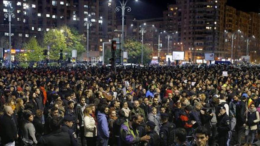 El número de muertos en el incendio de Bucarest sube a 45