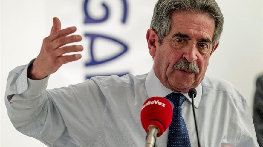 Revilla cree que la Conferencia de Presidentes debería celebrarse todos los años
