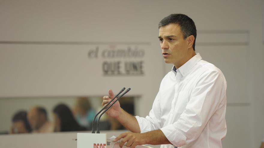 Sánchez dice que Corbyn propone cosas que hizo el PSOE y que Iglesias no puede defenderle a la vez a él y a Tsipras