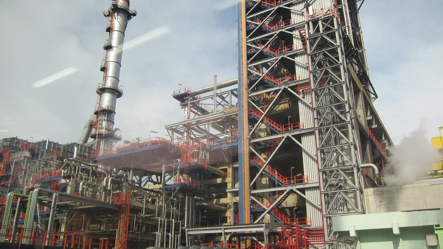 Petronor invierte 35.248 euros en la mejora del alumbrado de su nave de Mantenimiento