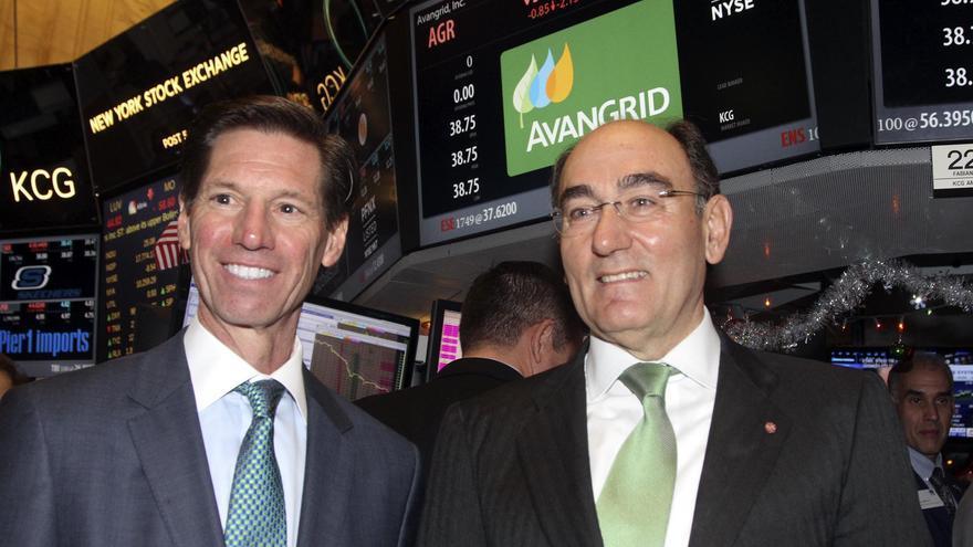 El presidente de Iberdrola, Ignacio Sánchez Galán, junto al primer ejecutivo de Avangrid, James P. Torgerson, en Nueva York en diciembre de 2015. EFE