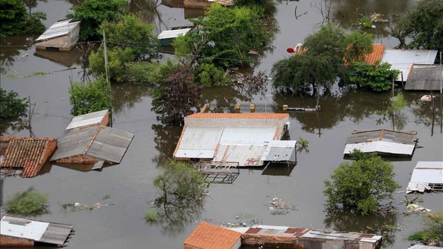 El alcalde de Asunción pide la construcción de una franja costera para evitar inundaciones