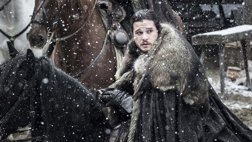 Jon Snow parte de Invernalia para una importante reunión
