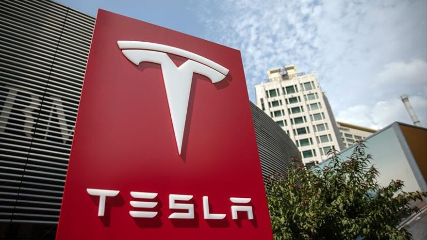 Tesla acelera la construcción de su fábrica en China y producirá el año próximo