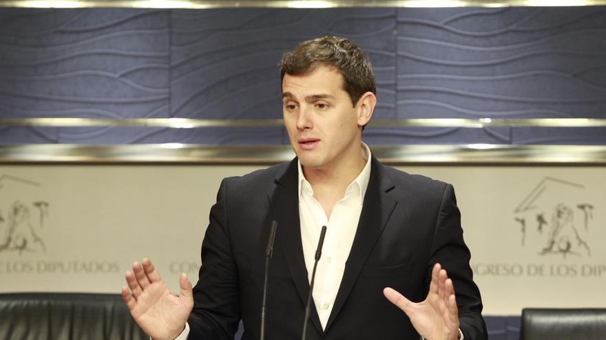 """Albert Rivera responde al PP-A: """"Efectivamente hubo atraco en Granada, y detención e imputación de alcalde"""""""