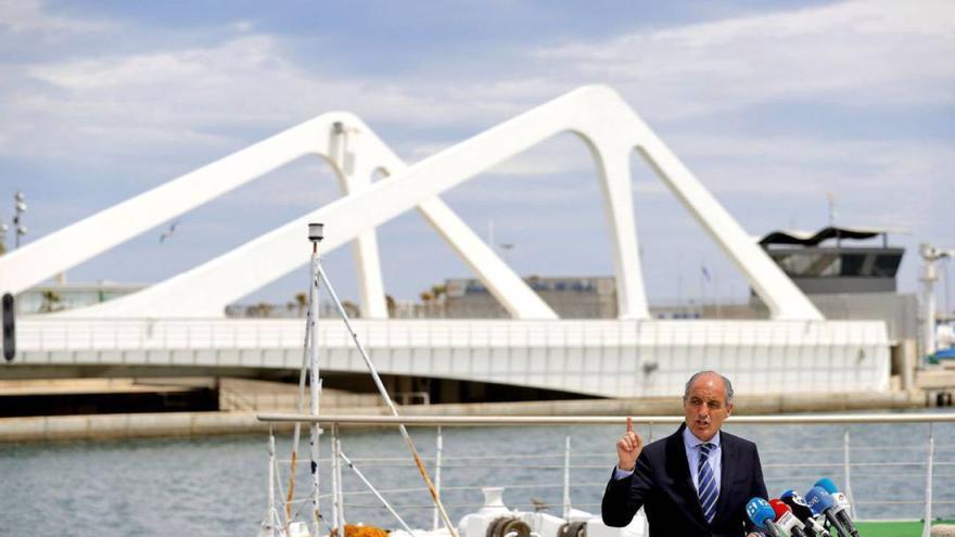 Francisco Camps comparece ante los medios ante el antiguo circuito urbano de Valencia