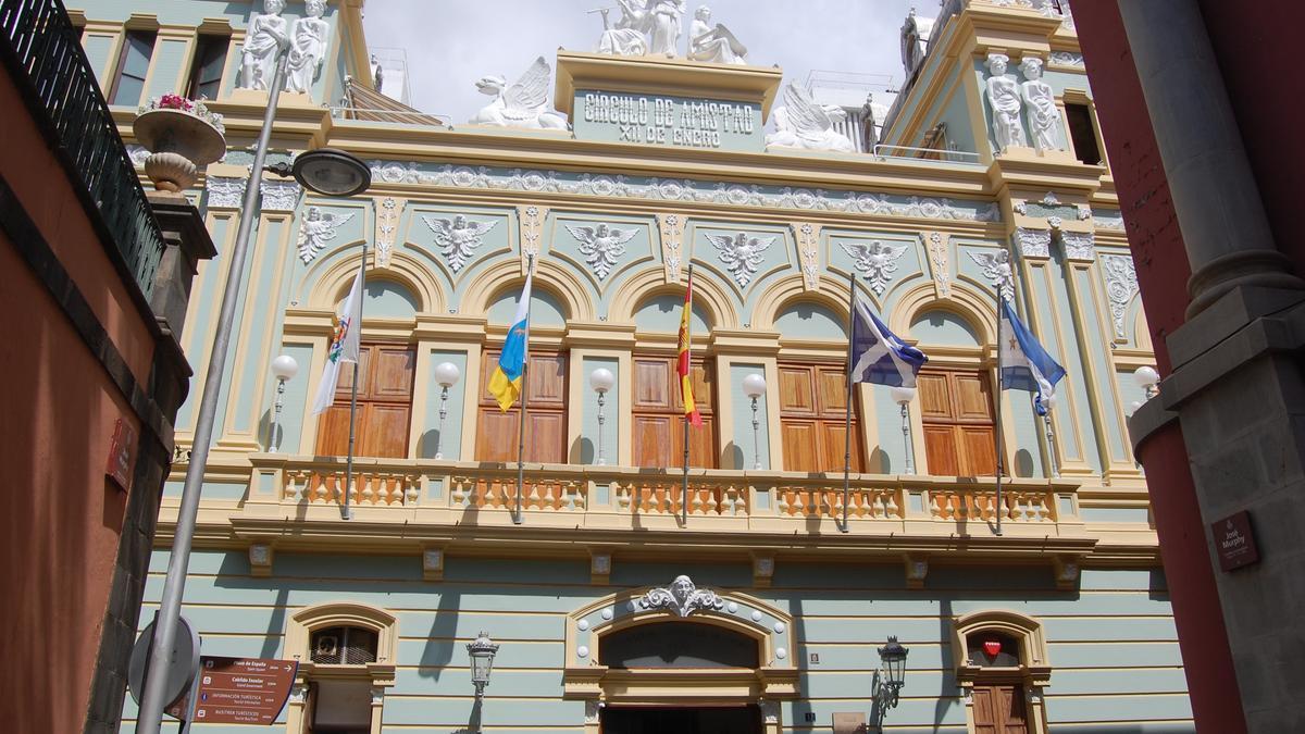 Fachada del Recreo en su sede de la calle Ruiz de Padrón.