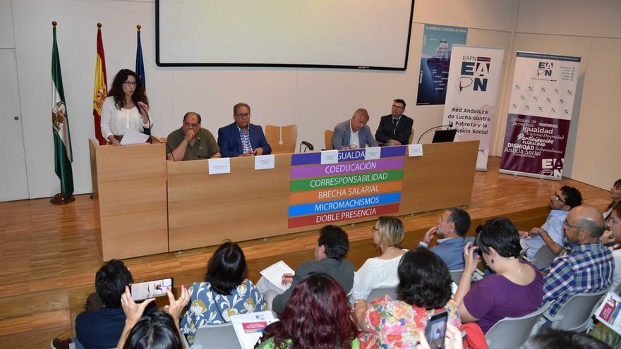 Investigadores simulan una Renta de Inserción de Andalucía que sería de 2.500 millones para superar el umbral de pobreza