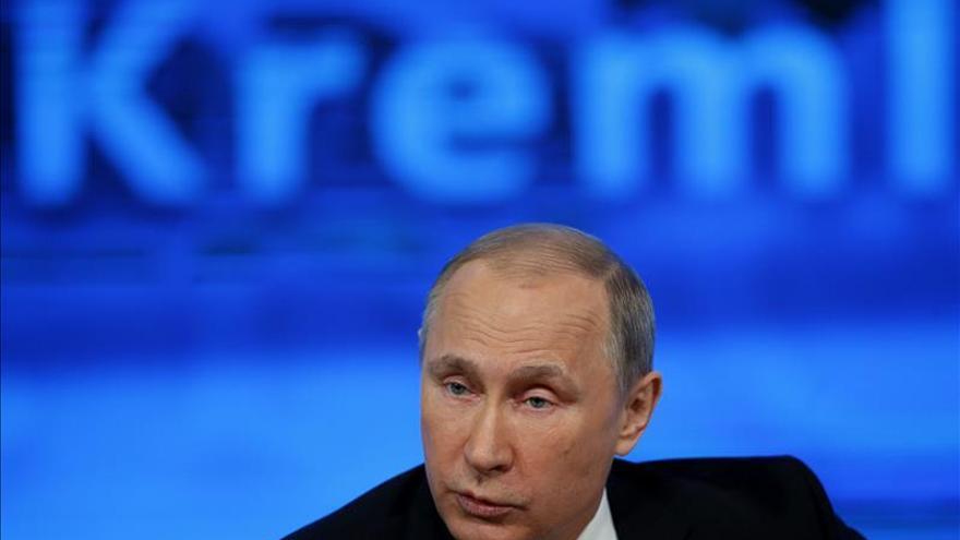 Putin asegura que Rusia saldrá de la crisis en dos años en el peor de los casos