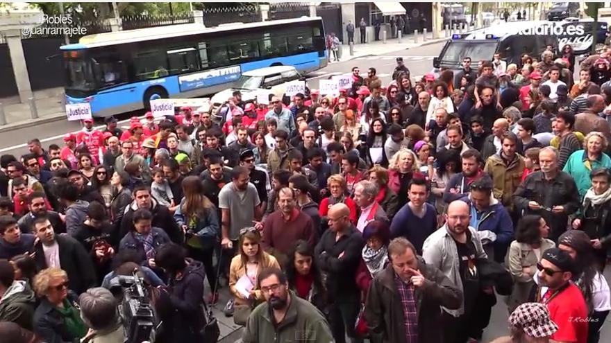 Concentración frente a la embajada estadounidense de Madrid en el 12 aniversario del asesinato de José Couso.