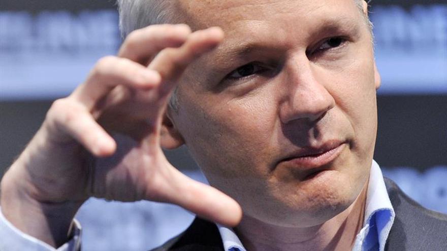 Correa dice que Fiscalía sueca interrogará a Assange en Embajada de Ecuador