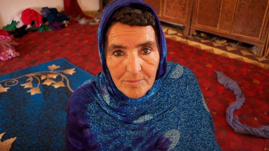 Balla sufrió los bombardeos de fósforo blanco y napalm lanzados por Marruecos en 1976, en los que vio morir a uno de sus hijo en el acto. / Gabriela Sánchez.