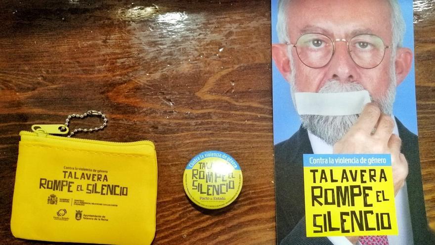 Imágenes del merchandising de la campaña 'Talavera rompe su silencio'