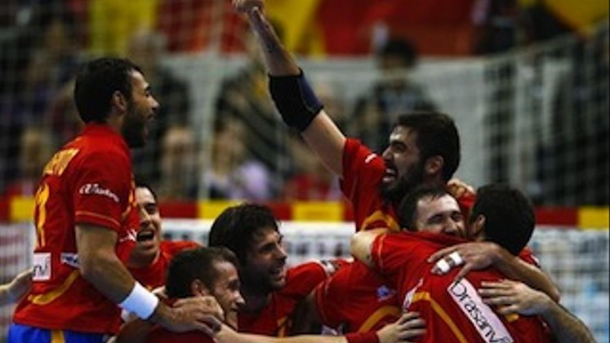 Los jugadores españoles celebran el pase a semis.