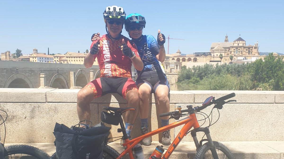 Los dos 'bikers' almerienses a su paso por Córdoba