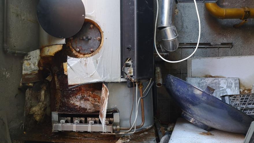 Estado del tanque de agua caliente de la caldera de la estación de bomberos de Puerta de Toledo