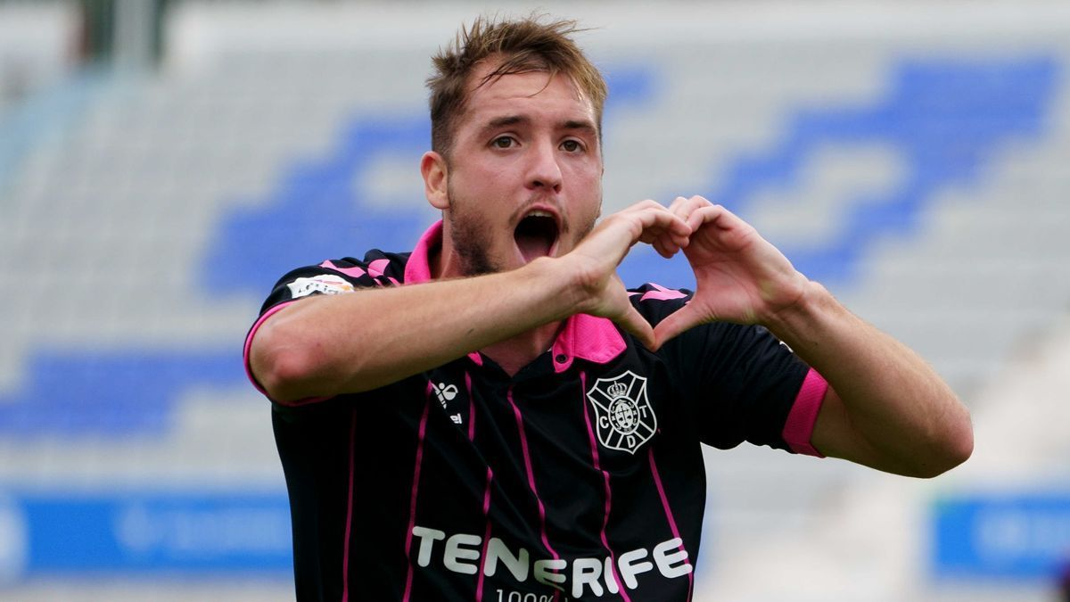 Vada celebra su gol al Sabadell