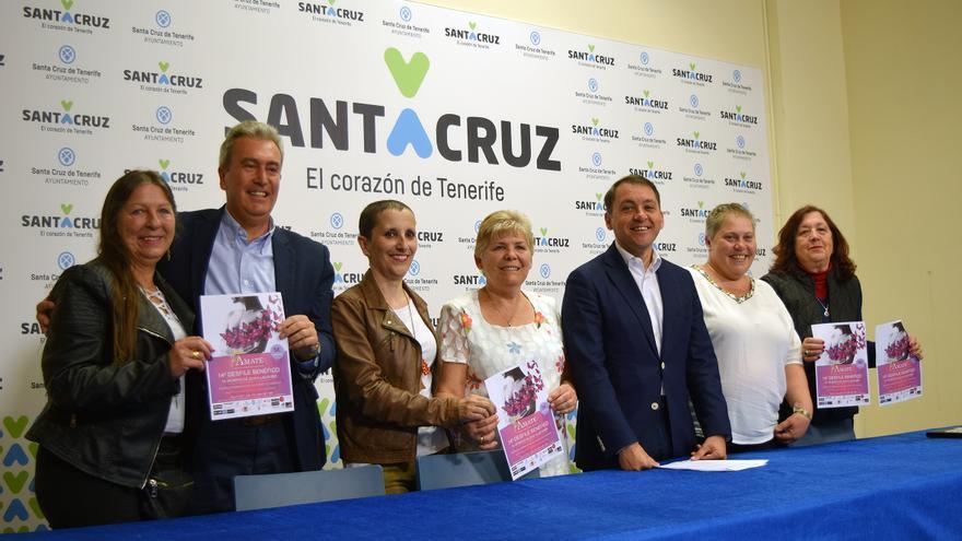 Presentación de este miércoles, en el Ayuntamiento, con el alcalde Bermúdez y María del Carmen Bonfante, de Ámate