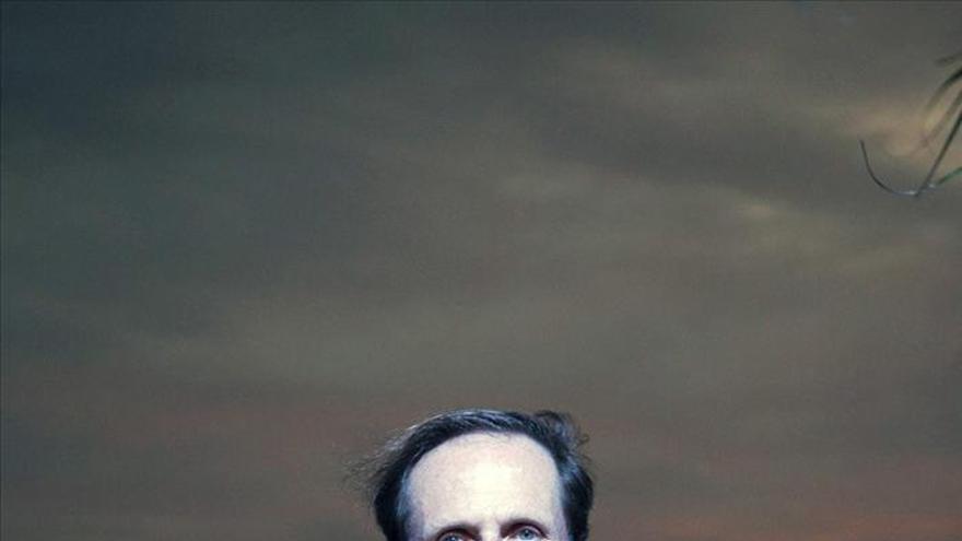 """El escritor inglés Philip Hoare bucea por """"El mar interior"""" en su nuevo libro"""