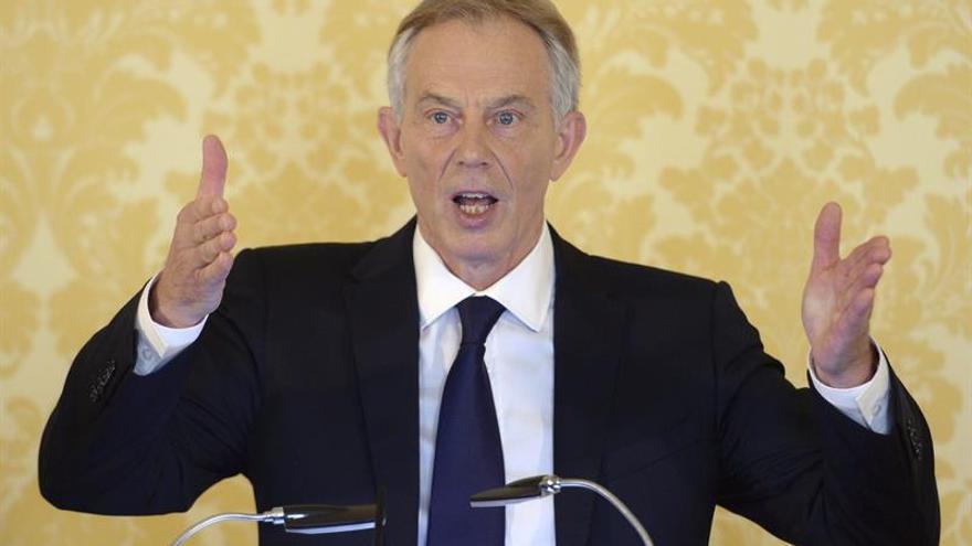 """Blair cree que los británicos están a tiempo de """"detener"""" el """"brexit"""""""