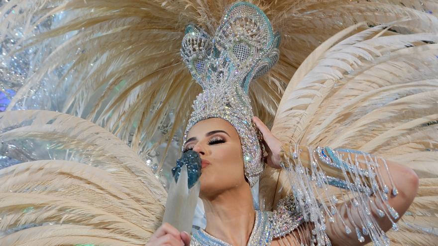 """Minerva Hernández Hernández, con la fantasía """"Vida"""", proclamada este viernes Reina del Carnaval de Las Palmas de Gran Canaria 2020."""