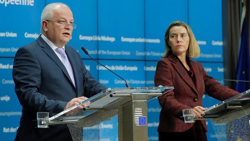 """La UE reconoce los """"esfuerzos"""" de Ucrania en reformas y desbloquea las nuevas ayudas"""