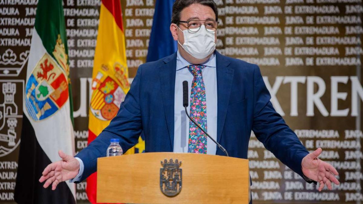 José María Vergeles, explicando este miércoles la situación sanitaria de la región