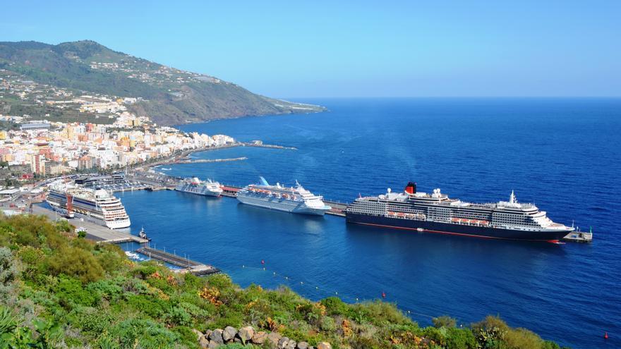 Panorámica del Puerto de Santa Cruz de La Palma.