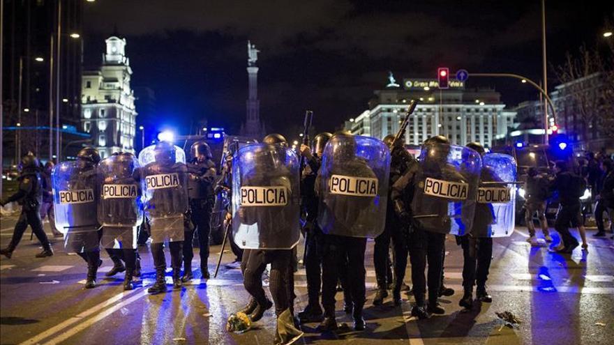 Juez investiga si un pelotazo de goma dejó tuerto a un joven el 22M en Madrid