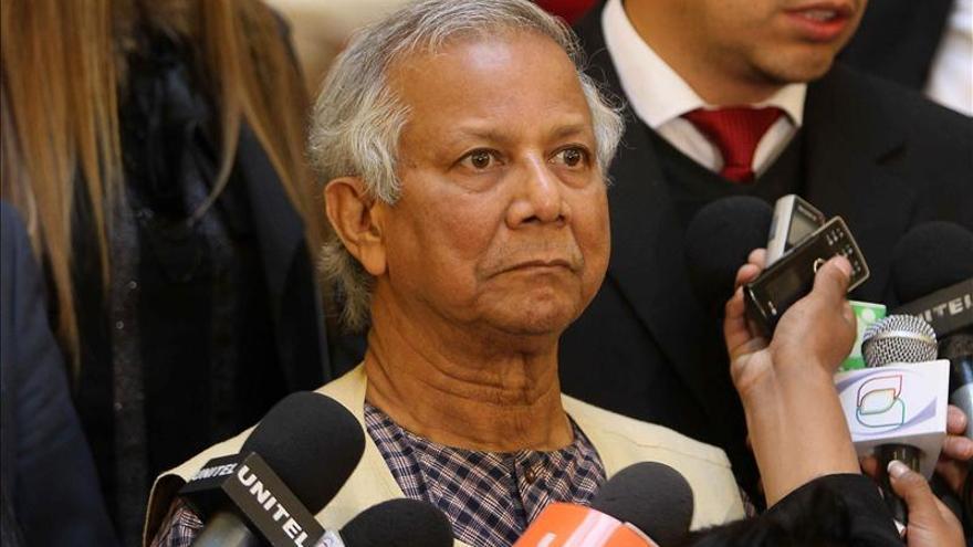 Yunus critica al sistema económico y pide a las empresas no solo pensar en dinero