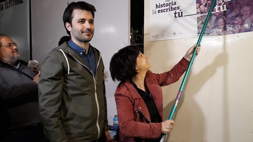 El diputado por Murcia, Javier Sánchez Serna, y la número dos de Unidas Podemos, Esther Herguedas