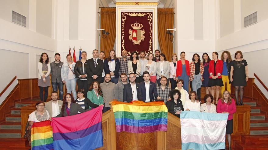 Acto institucional contra la LGTBIfobia en las Cortes de Castilla-La Mancha