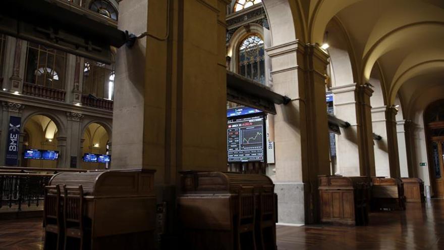 La Bolsa española recupera los 8.300 puntos tras subir el 1,35 por ciento