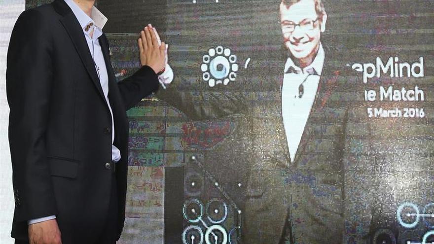 """Google gana la primera partida de máquina contra humano en el juego de """"go"""""""
