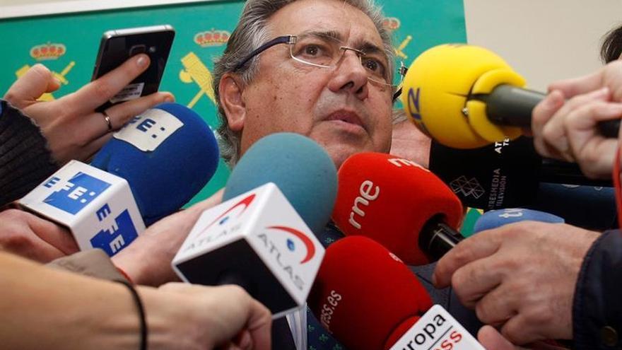 """Zoido desconoce que el Gobierno tenga un """"plan"""" para evitar el referéndum"""