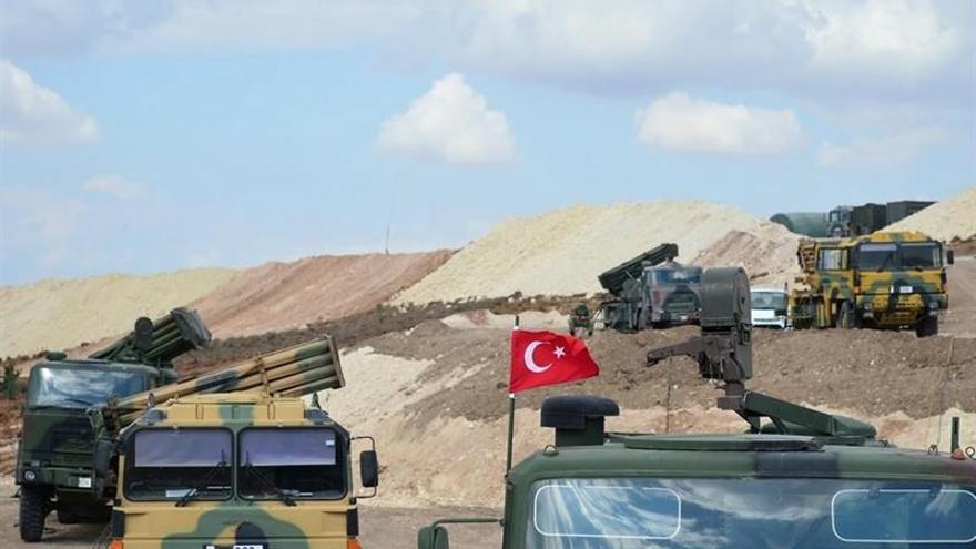 Un dirigente rebelde confirma que las tropas turcas han levantado puestos de control en Siria