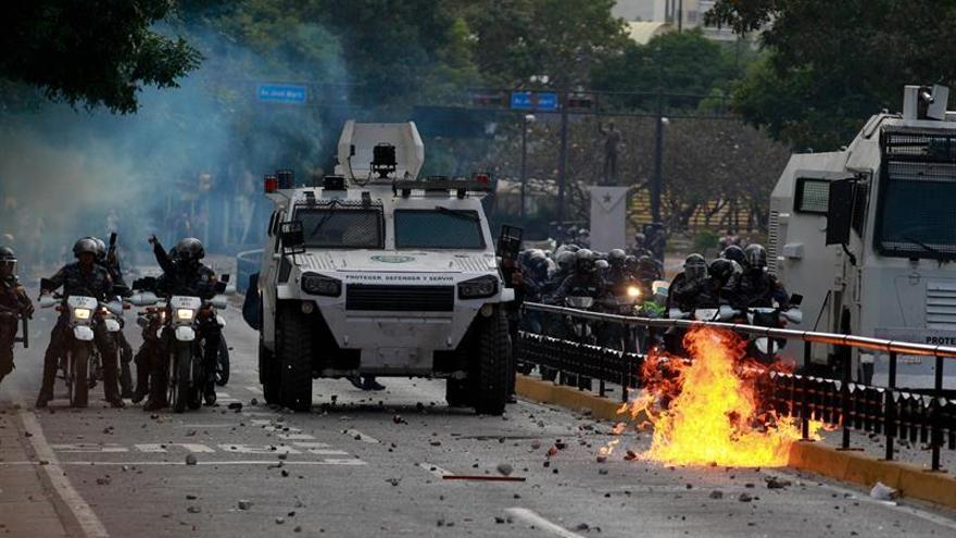 El Gobierno venezolano se enfrenta a protestas populares por tercer día consecutivo