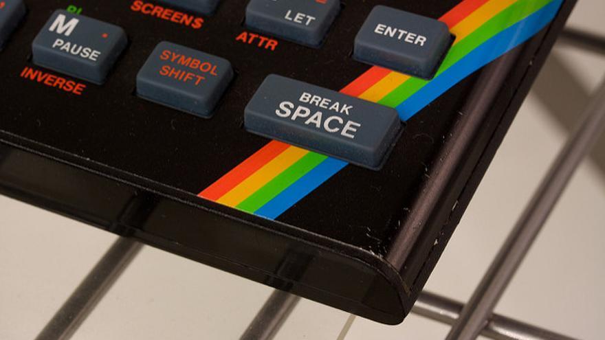La empresa británica Sinclair Research lanzó el ZX Spectrum en abril de 1982