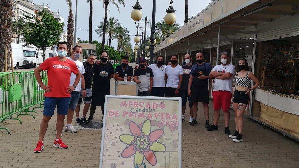 Foto de grupo de comerciantes del Mercado de Primavera 2021.