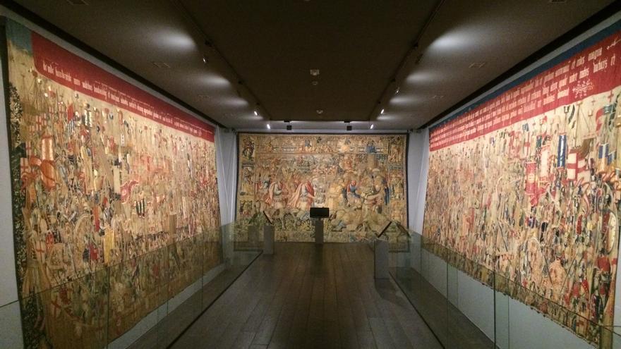 Vista general de los tapices flamencos en el Museo Parroquial de Pastrana